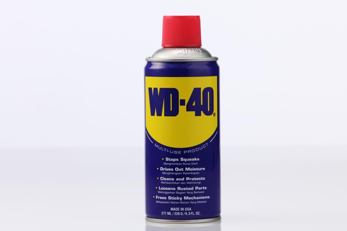 Pour nettoyer les traces de colle, utilisez du WD-40.