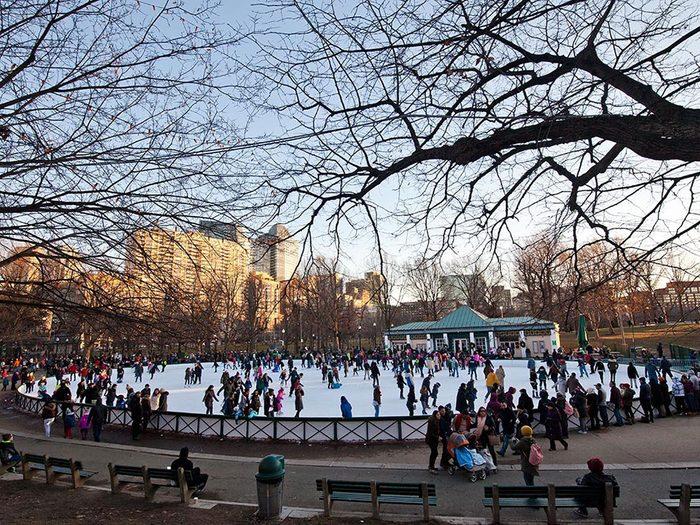 La patinoire de Boston aux États-Unis.