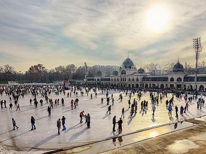 La patinoire de Budapest en Hongrie.