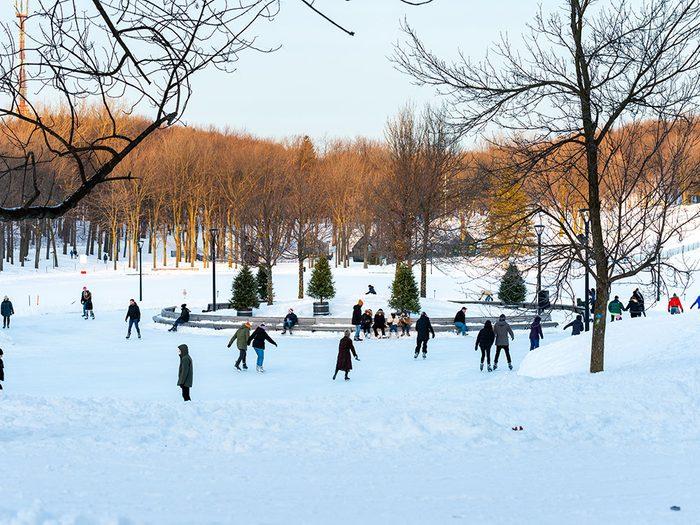 La patinoire du Lac aux Castors à Montréal.