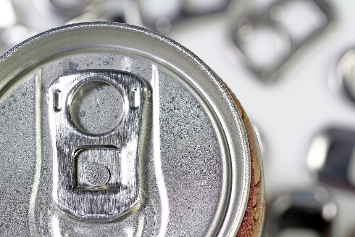 Rangement : recyclez les capsules de canette.