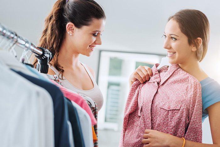 Après votre rangement, organisez un échange de vêtement.