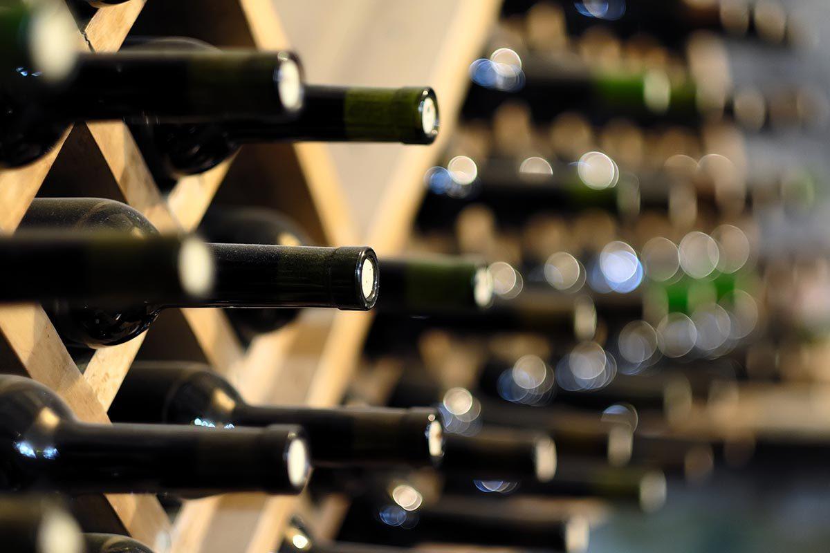 Rangement : récupérez les casiers à bouteilles pour ranger vos affaires.