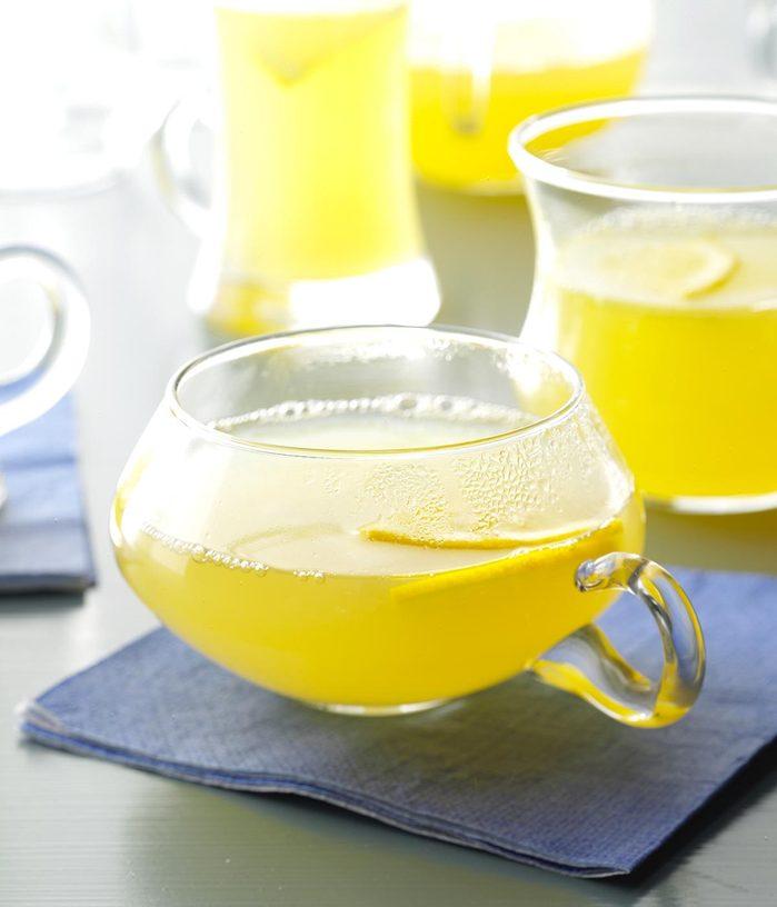 Recette à la mijoteuse : citronnade épicée.