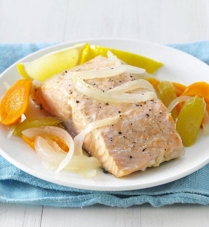 Recette à la mijoteuse : saumon poché simplicité