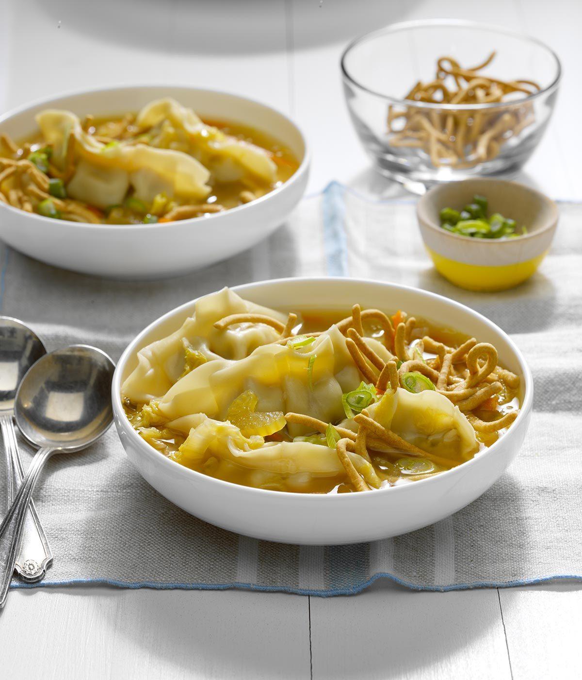 Recette à la mijoteuse : soupe aux raviolis chinois