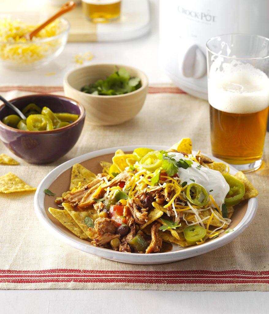 Recette à la mijoteuse : tacos de poulet aux haricots noirs.