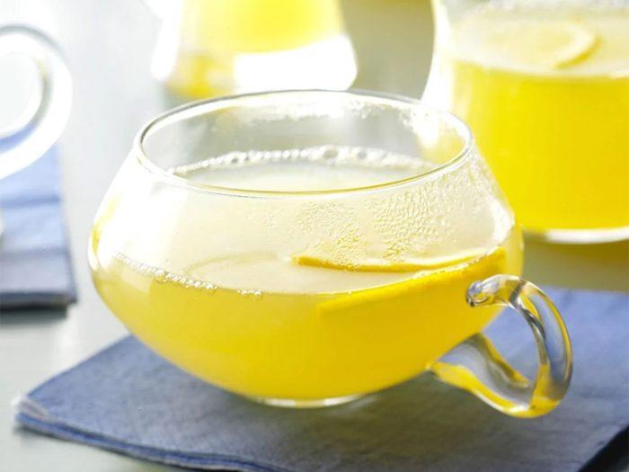 Recette à la mijoteuse de citronnade épicée.