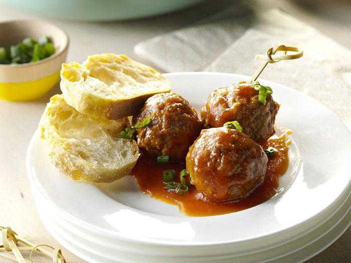 Recette à la mijoteuse de boulettes de viande à la sauce aigre-douce.