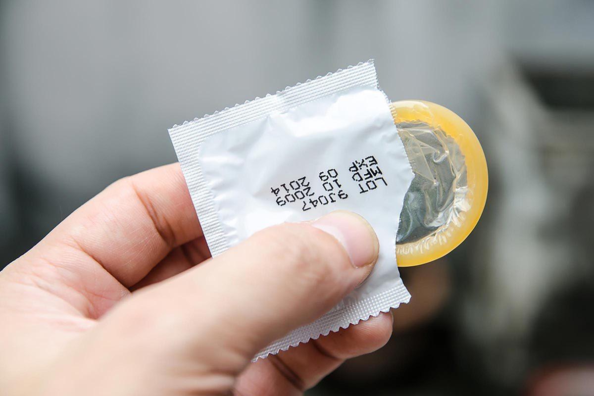 Relation amoureuse : les préservatifs de fantaisie stimulent seulement votre carte de crédit.