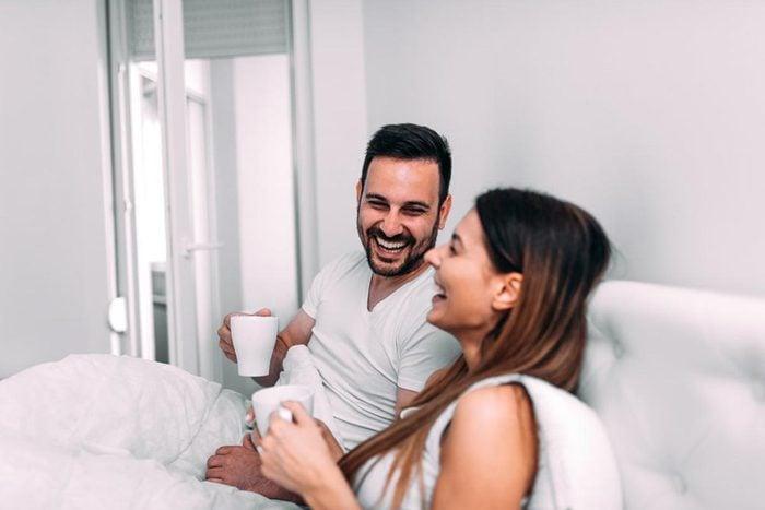 Relation amoureuse : le sens de l'humour, c'est l'attribut le plus sexy!