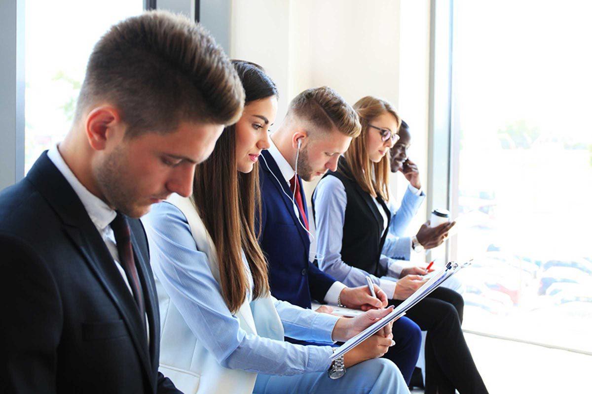 Avant de sortir avec un collègue, envisagez un changement d'emploi.