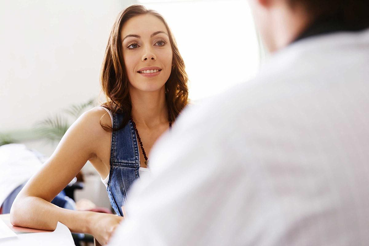 Sortir avec un collègue nécessite une transparence totale.