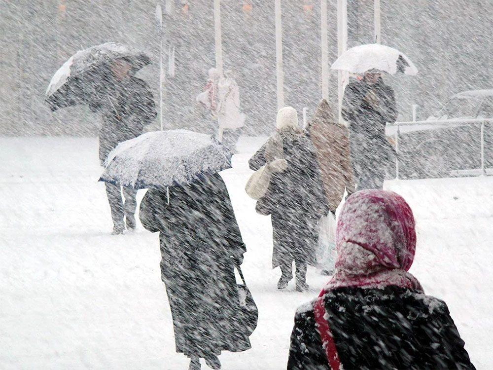 En avril 1975 s'est déroulée l'une des pires tempêtes de neige du Québec et du Canada.
