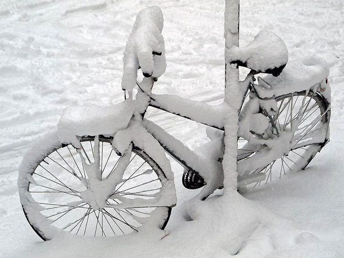 En avril 2003 s'est déroulée l'une des pires tempêtes de neige du Québec et du Canada.