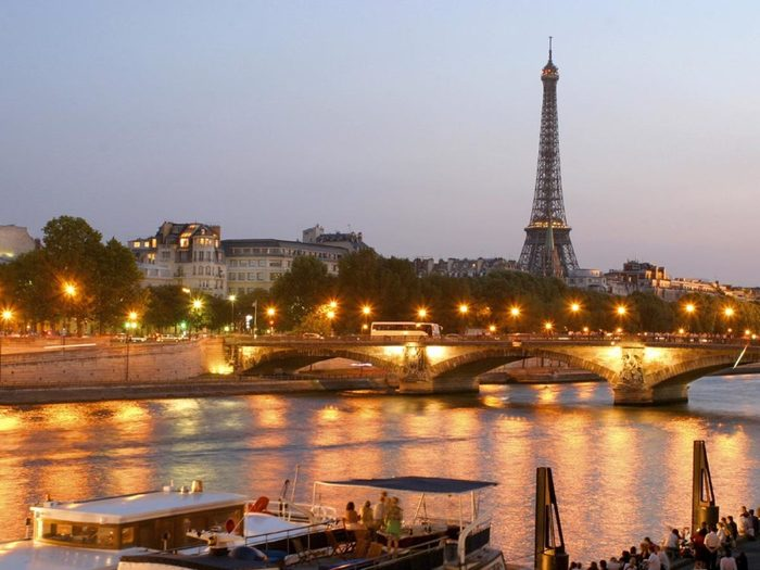 Ville romantique : Paris.