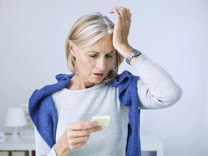 La perte de mémoire est l'un des signes d'une carence en vitamine B12.