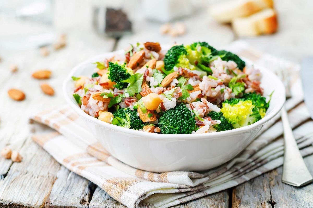 Une carence en vitamine B12 peut être liée à un régime végétarien.