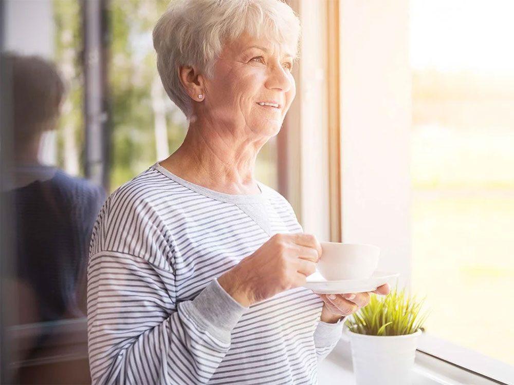 Les carences en vitamine B12 sont plus répandues chez les personnes âgées.