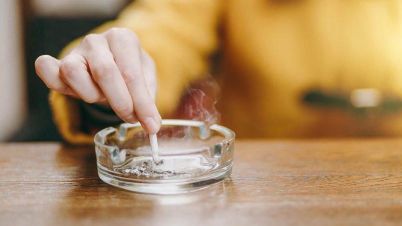 Pour vivre 100 ans, arrêtez de fumer.