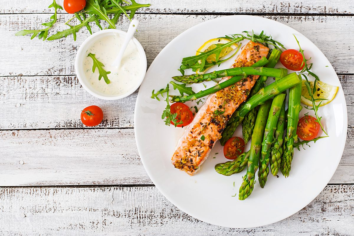 Pour vivre 100 ans, mangez moins.