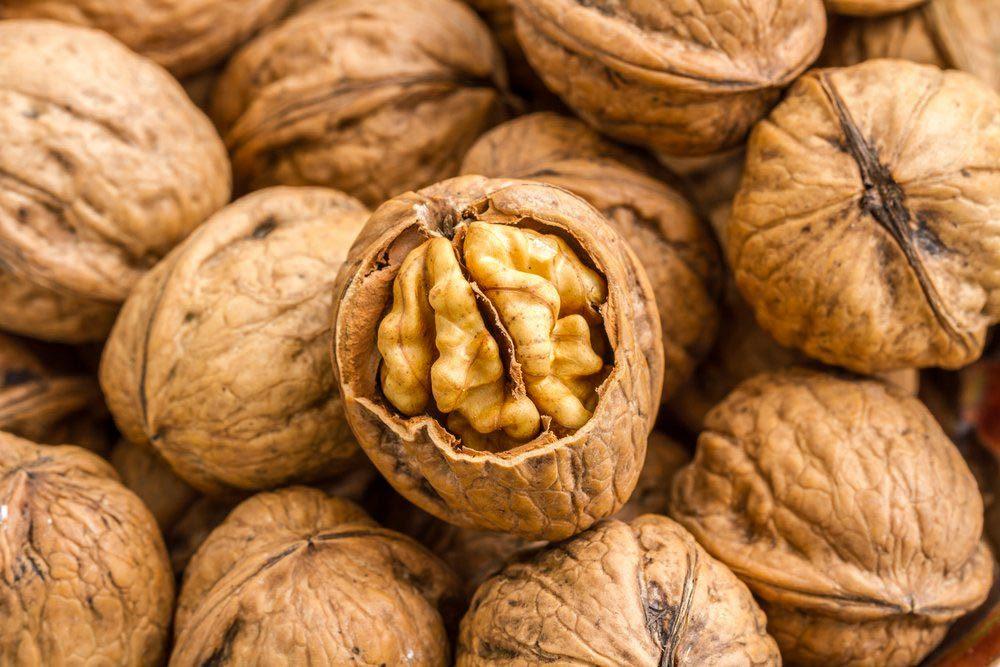Aliments anti-âge : les noix.