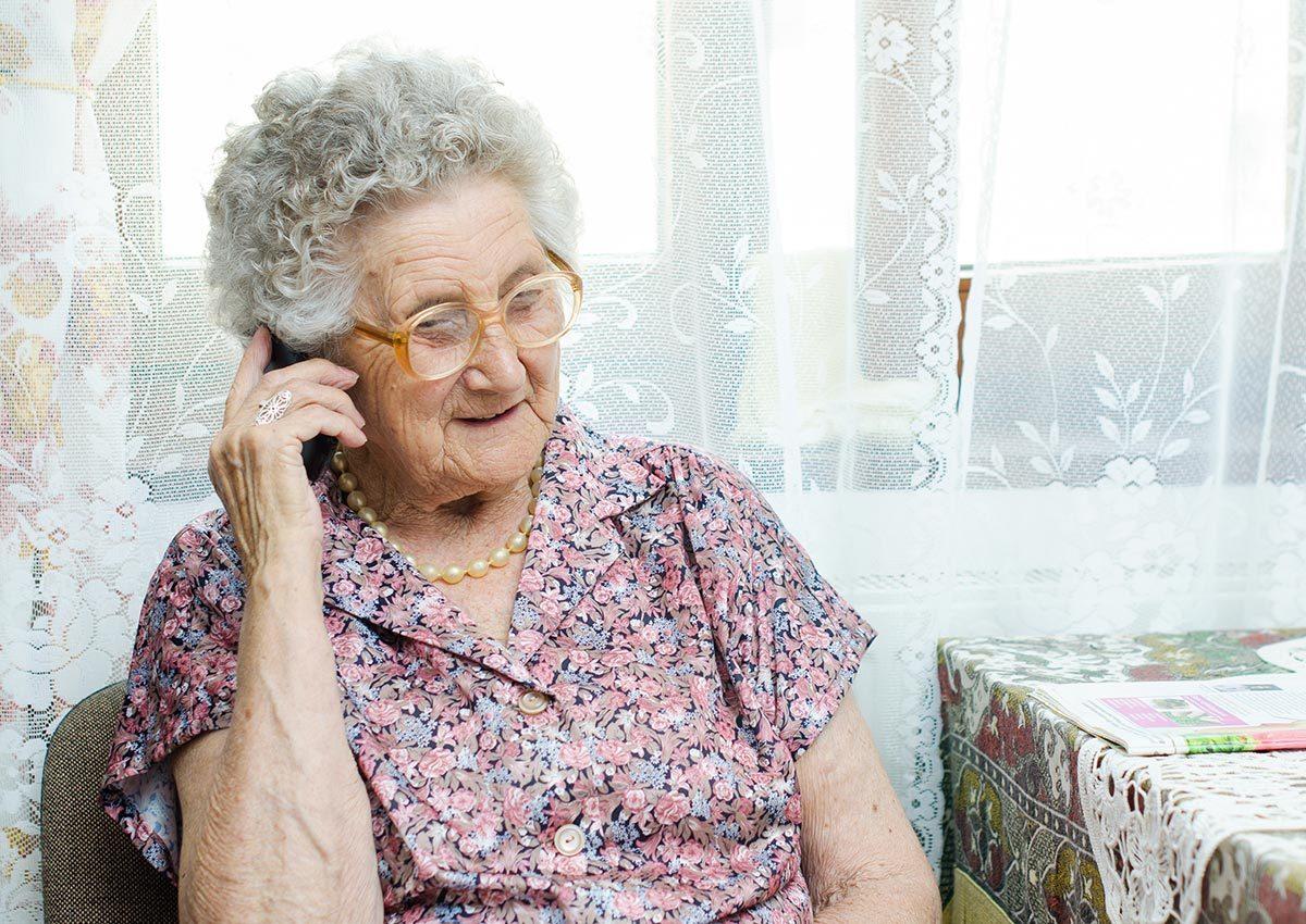L'ambulancier reçoit parfois des appels de personnes seules.