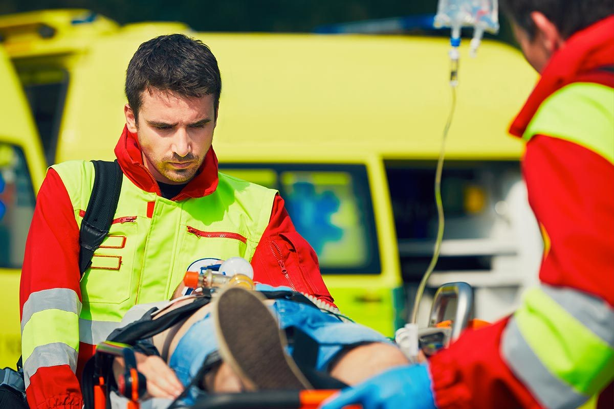 L'ambulancier a un travail éprouvant.