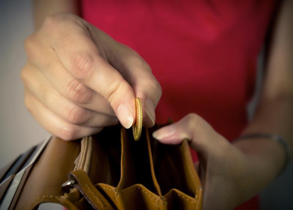 Économisez de l'argent en utilisant l'argent comptant.