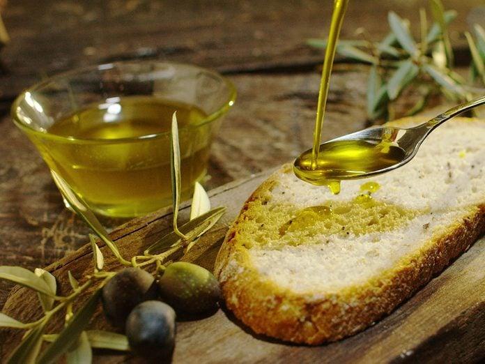 Comment profiter des bienfaits de l'huile d'olive?