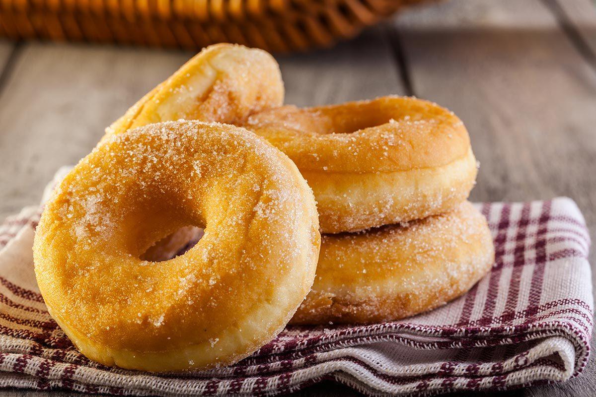 Recette de cabane à sucre : des beignets au sucre.