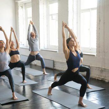 Pour mettre du calme dans votre vie, prenez des cours de yoga.