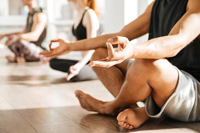 Pour mettre du calme dans votre vie, méditez tous les jours.