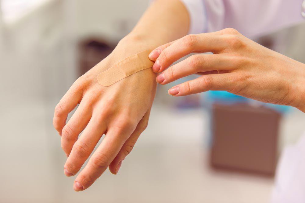 Symptôme de cancer chez la femme : contusions fréquentes.