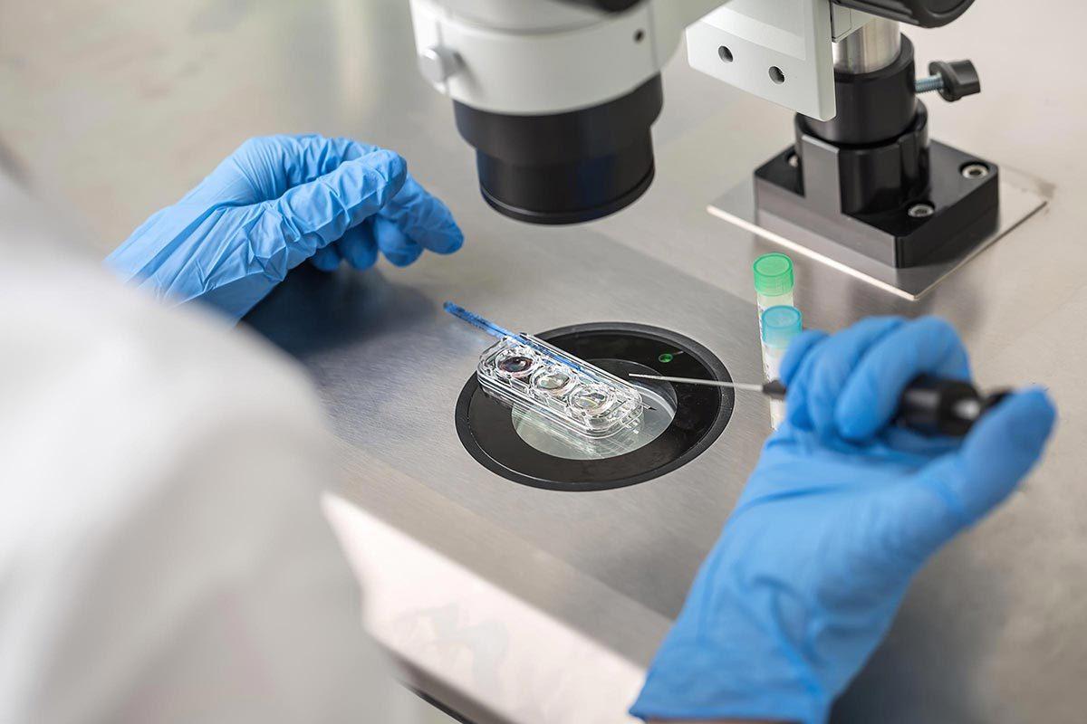 Cancer col utérus : un nouveau test de dépistage pourrait détrôner les tests Pap et VPH.