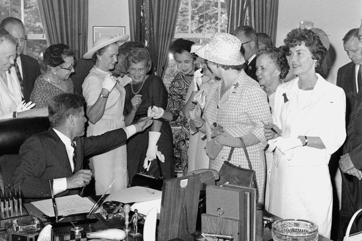 La condition féminine a changé en 1963.
