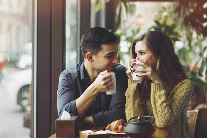 Vous pouvez avoir confiance en votre partenaire, si ses questions n'ont pas l'air d'interrogatoire.