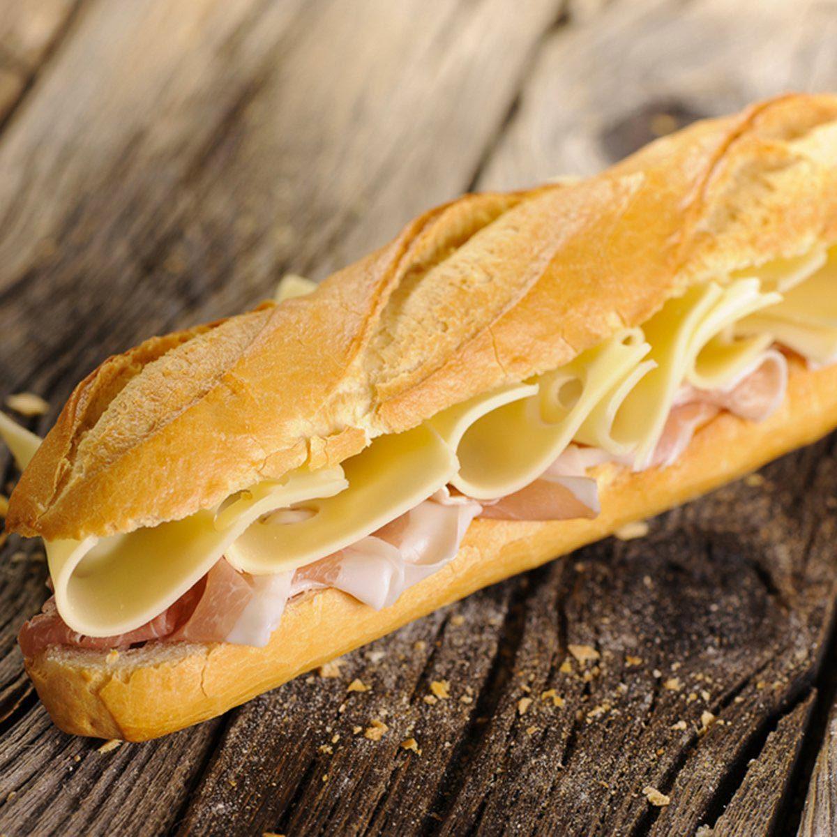 Pour cuisinier rapidement, faites un seul sandwich et coupez-le en autant de morceaux que vous le souhaitez.