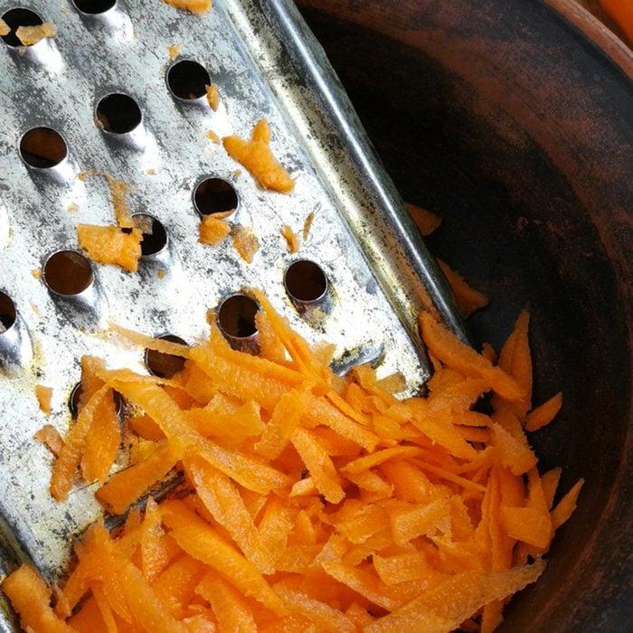 Pour cuisinier rapidement, utilisez une râpe.