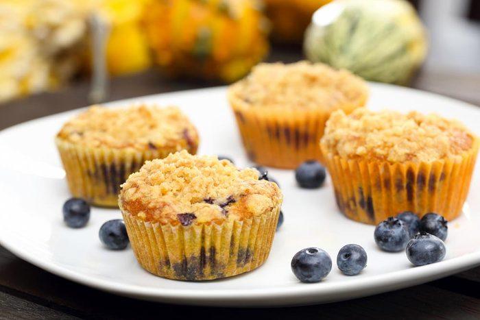 Déjeuners rapides et santé : un muffin aux bleuets.