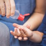 21 usages étonnants du gel désinfectant pour les mains