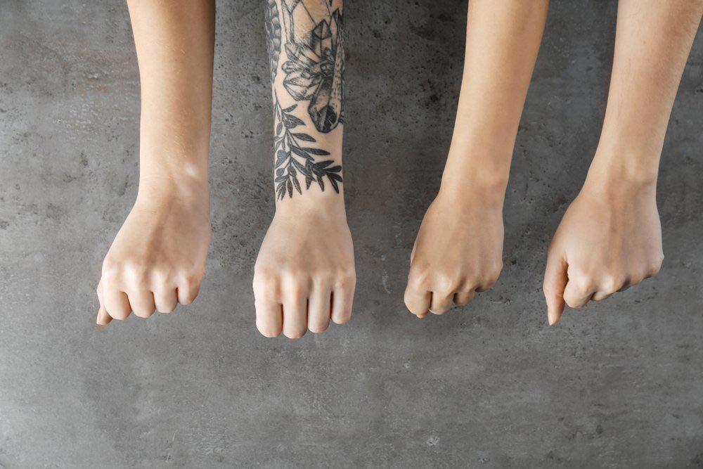 Don de sang : vous avez un tatouage ou un piercing?