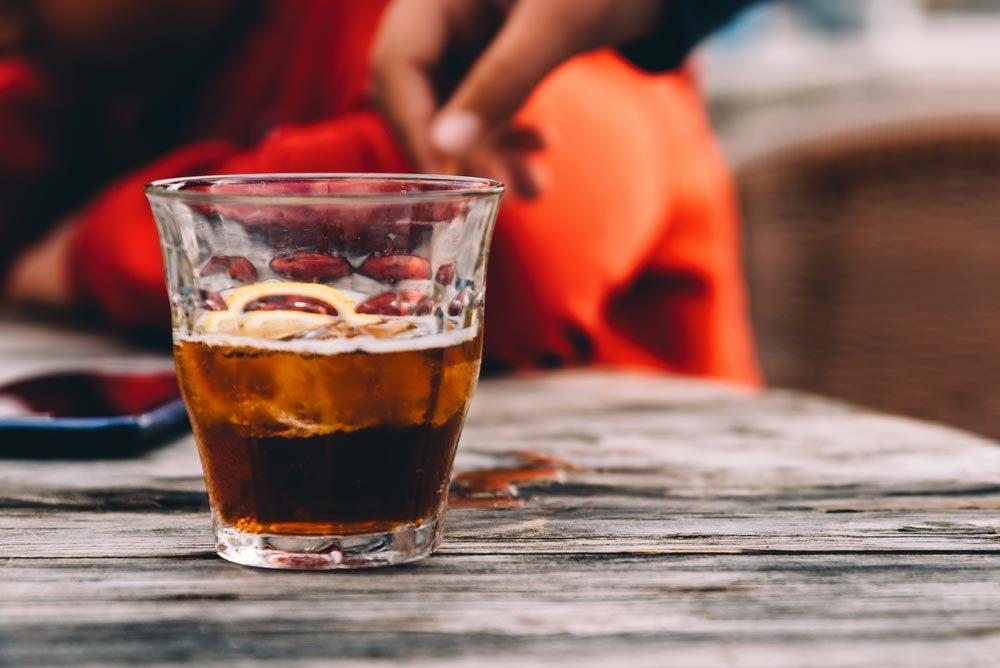 L'éternuement peut être causé par des boissons gazeuses.