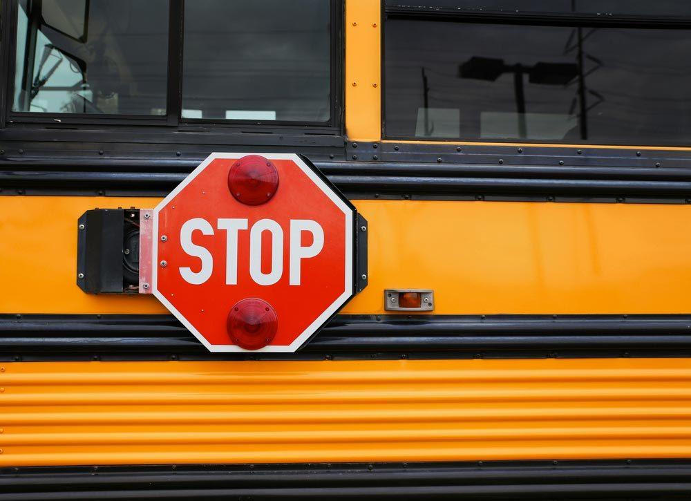 Explications : pourquoi les autobus scolaires sont-ils jaunes?