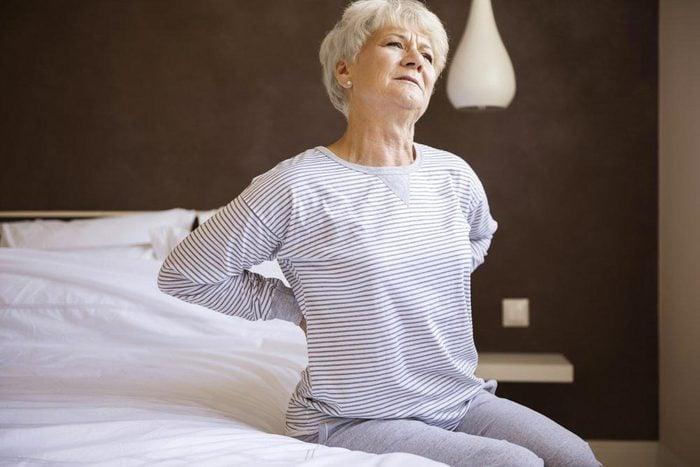 Une femme de 50 ans et plus doit connaitre les signes de crise cardiaque.