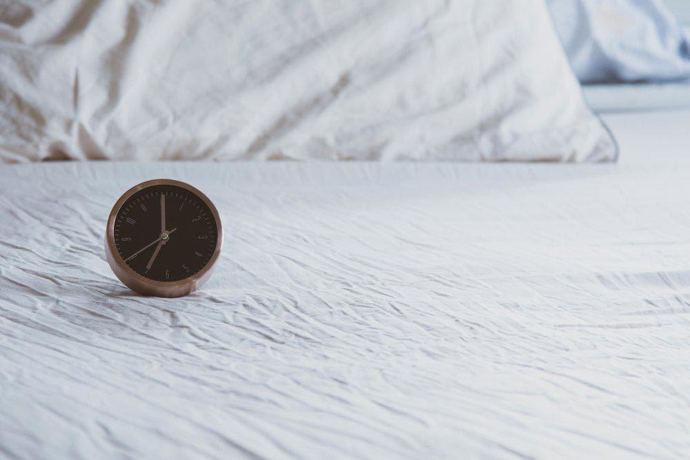 Une femme de 50 ans et plus doit adopter une heure de coucher régulière.