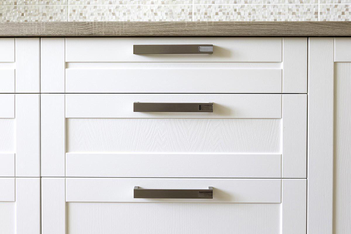 Grand ménage du printemps : nettoyez les tiroirs de la cuisine.
