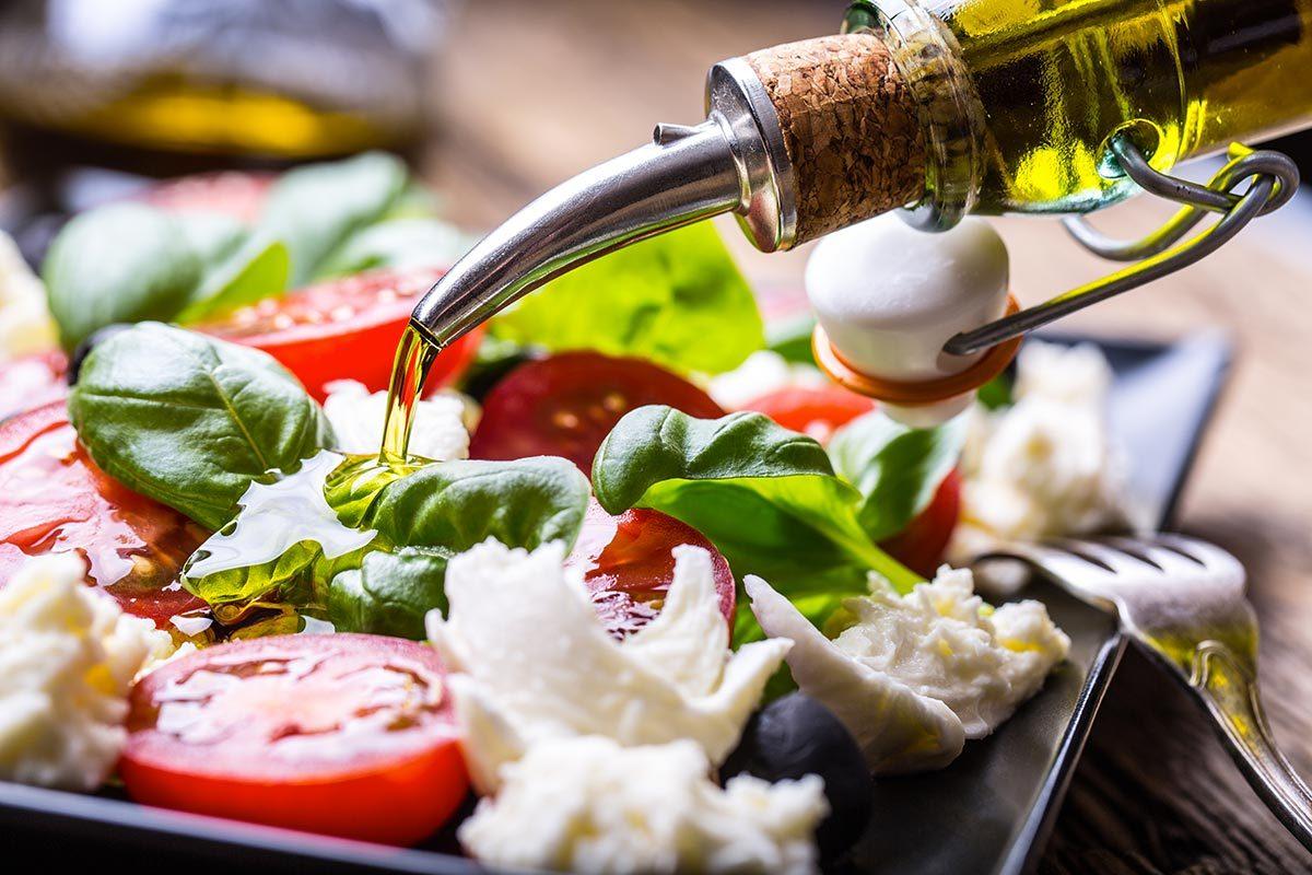 L'huile d'olive est très présente dans le régime méditerranéen.