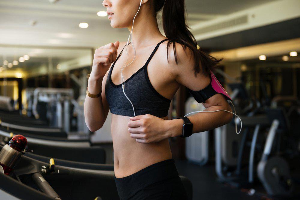 Infections que vous pouvez attraper au gym : la folliculite.