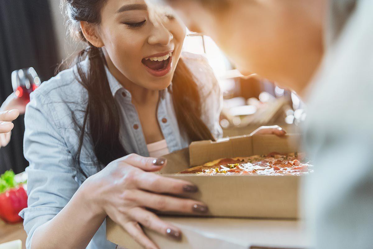 Livraison pizza à domicile : soyez poli.